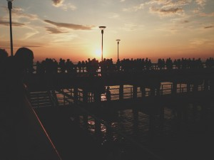 Crowd_Dock